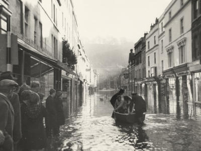 Photograph of Southgate Street, Bath, flooded in 1956 (ref. PX4596)